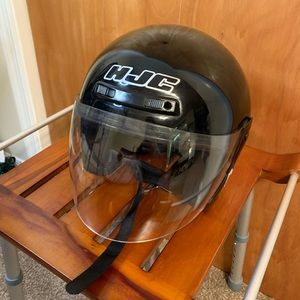 HJC 3/4 Motorcycle helmet with full face shield. M